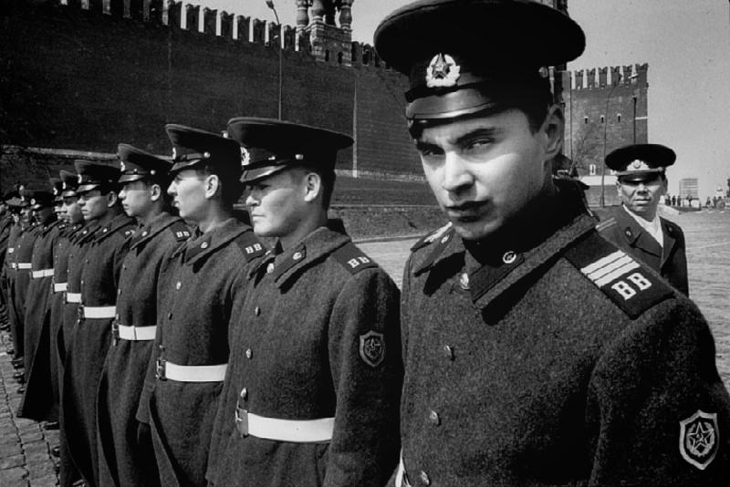 KGB-SoldiersFlywall